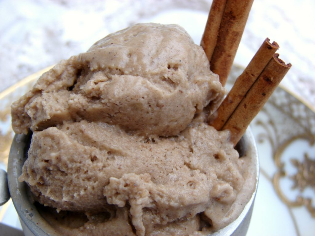 easy banana chai ice cream (paleo, GAPS, dairy free, sugar free)