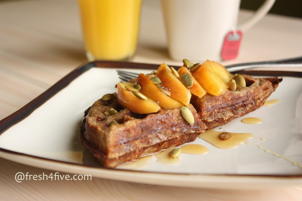 Apple Cinnamon Waffles (GAPS, Paleo)